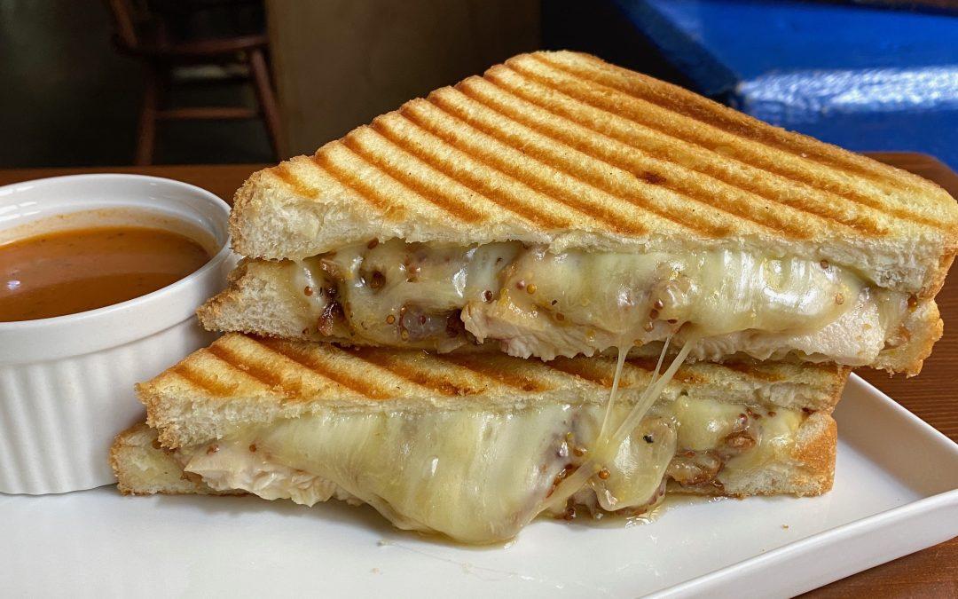 Honey Mustard Chicken Gouda Melt *ハニーマスタード&チキンチーズ ホットサンド